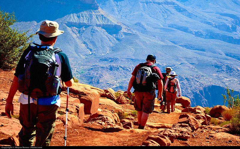 Hiking_(5824862885).jpg