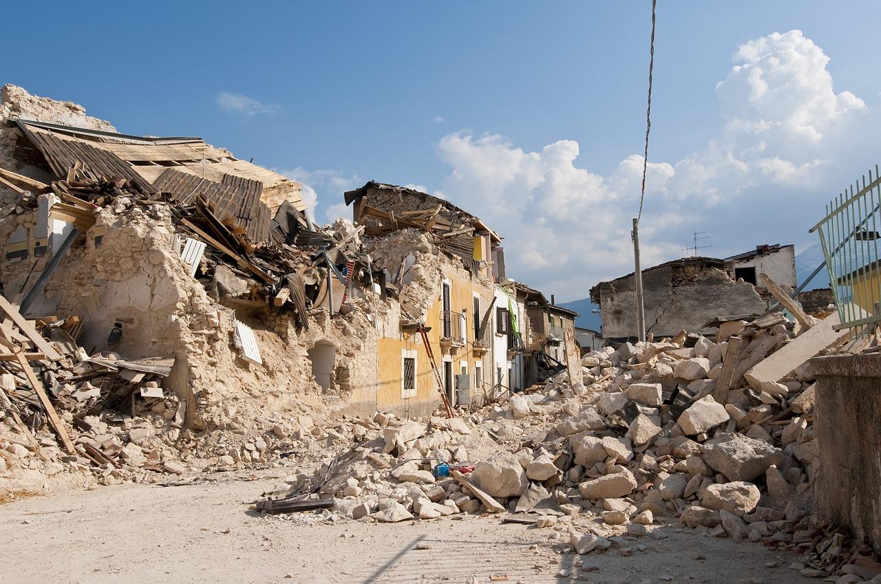 earthquake-1665878_1280.jpg