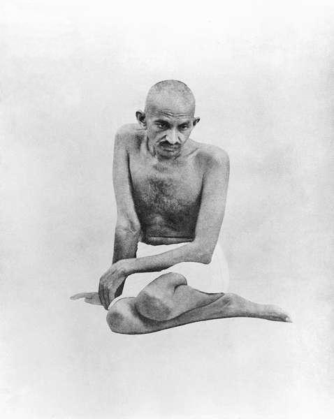 Mohandas_K._Gandhi,_1924.jpg